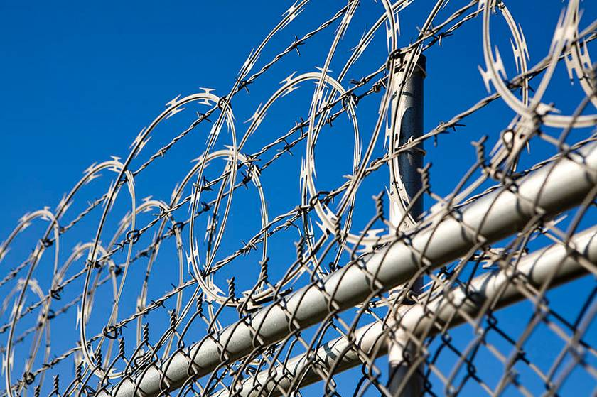 Flat Wrap Razor Wire Gives An Optimum Choice For Limited Space